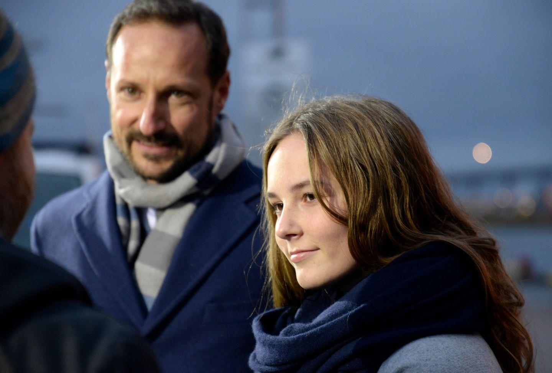 17. November 2018  Ganz schön erwachsen ist Prinzessin Ingrid Alexandra geworden. Bei der Taufe einesForschungsschiffslegt die Tochter von Prinz Haakon und Mette Marit einen reifen Auftritt hin.