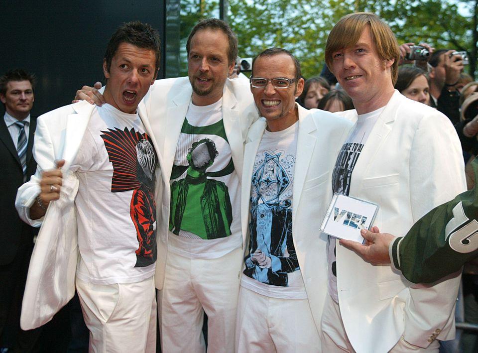 2004  Die Fantastischen Vier veröffentlichen ihr sechstes Studioalbum. Michi und Smudo ziehen noch - so selbstironisch wie sie sind - beim Boyband-Style mit.