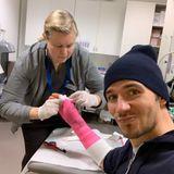 Das Glück scheint derzeit nicht auf Felix Neureuthers Seite zu sein. Der Skiläufer hat sich nach einer Verletzung den Daumen gebrochen und muss sogar operiert werden. Der Sportler versucht es mit Humor zu nehmen.