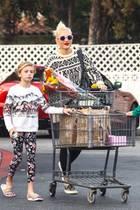 Gwen Stefanibeim Shoppen mit ihrer Nichte Stella