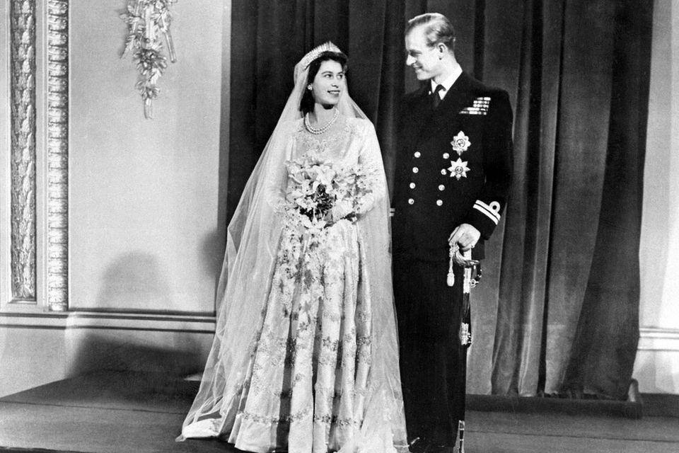 Am 20. November 1947 geben sich Queen Elizabeth und Prinz Philip das Jawort.