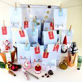 """Perfekt für Bastelmuffel! Der persönliche""""Wunderkalender"""" kann aus einem Sortiment von rund 500 Produkten zusammengestellt und nach Hause bestellt werden. Eine persönliche Nachricht in Form eines Fotos zum Beispiel kann ebenfalls beigefügt werden. (Preis variiert, www.wunderkalender.de)"""