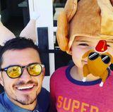 Orlando Bloom und Söhnchen Flynn verbringen ein lustiges Thanksgiving inklusive Truthahn-Hut.