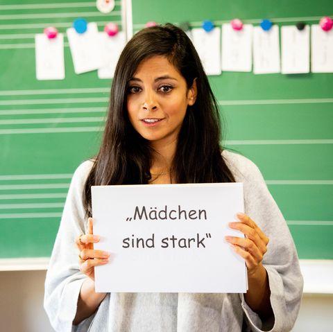 """Moderatorin, Schauspielerin und Mutter Collien Ulmen-Fernandes mit einer wichtigen Botschaft für alle Mädchen: """"Mädchen sind stark."""""""