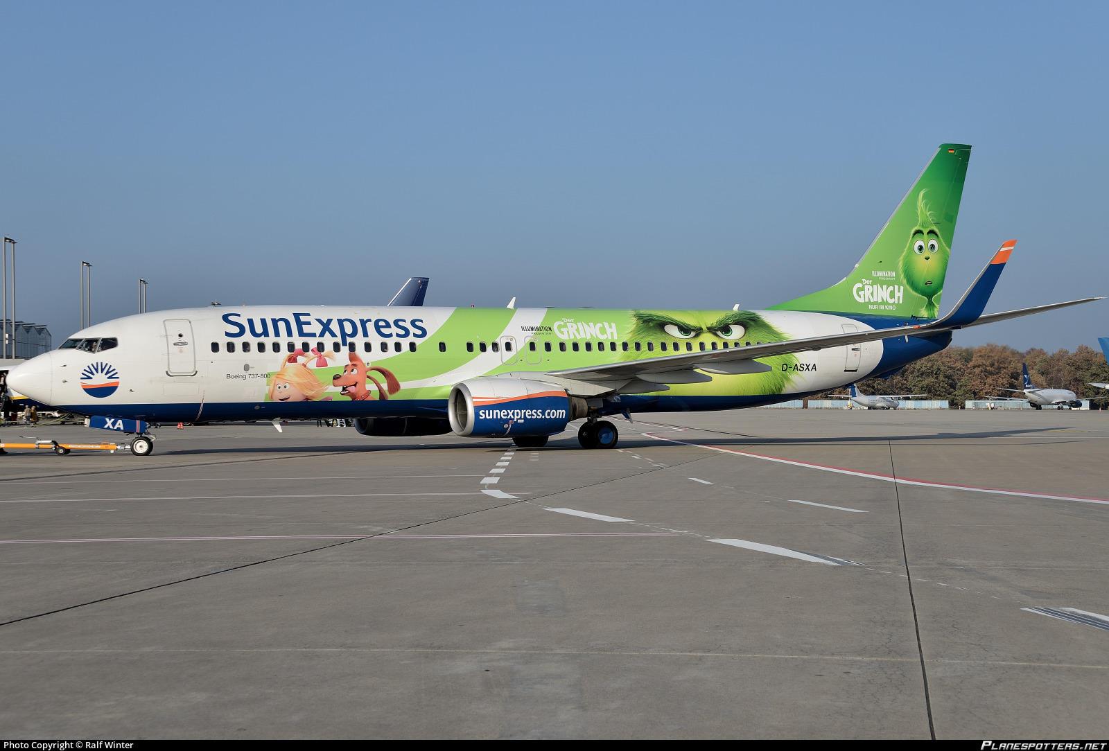 """Sunexpress Boeing-737 mit """"Der Grinch""""-Aufdruck"""