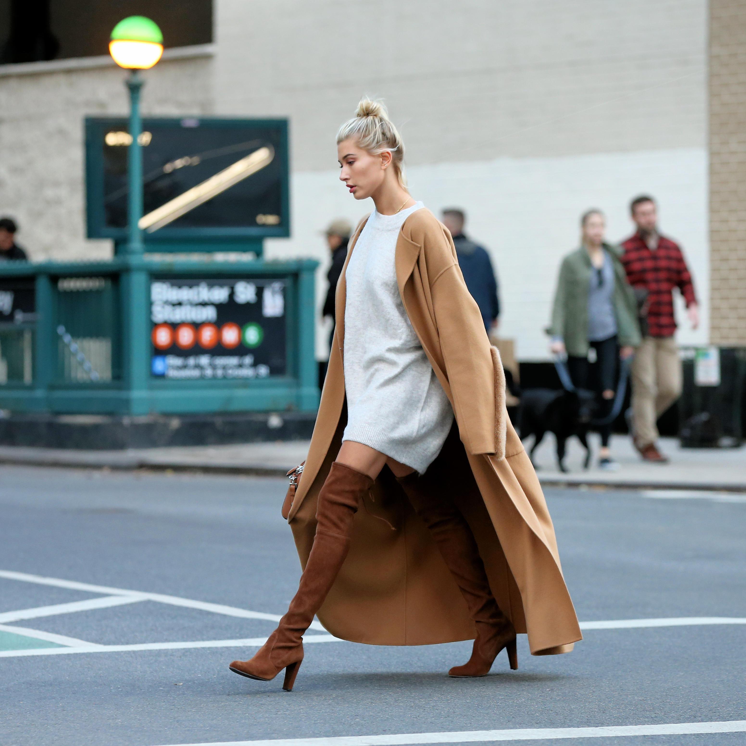 pretty nice 14dc9 1c61e Overknee-Stiefel: So kombiniert Frau den Boot-Look richtig ...