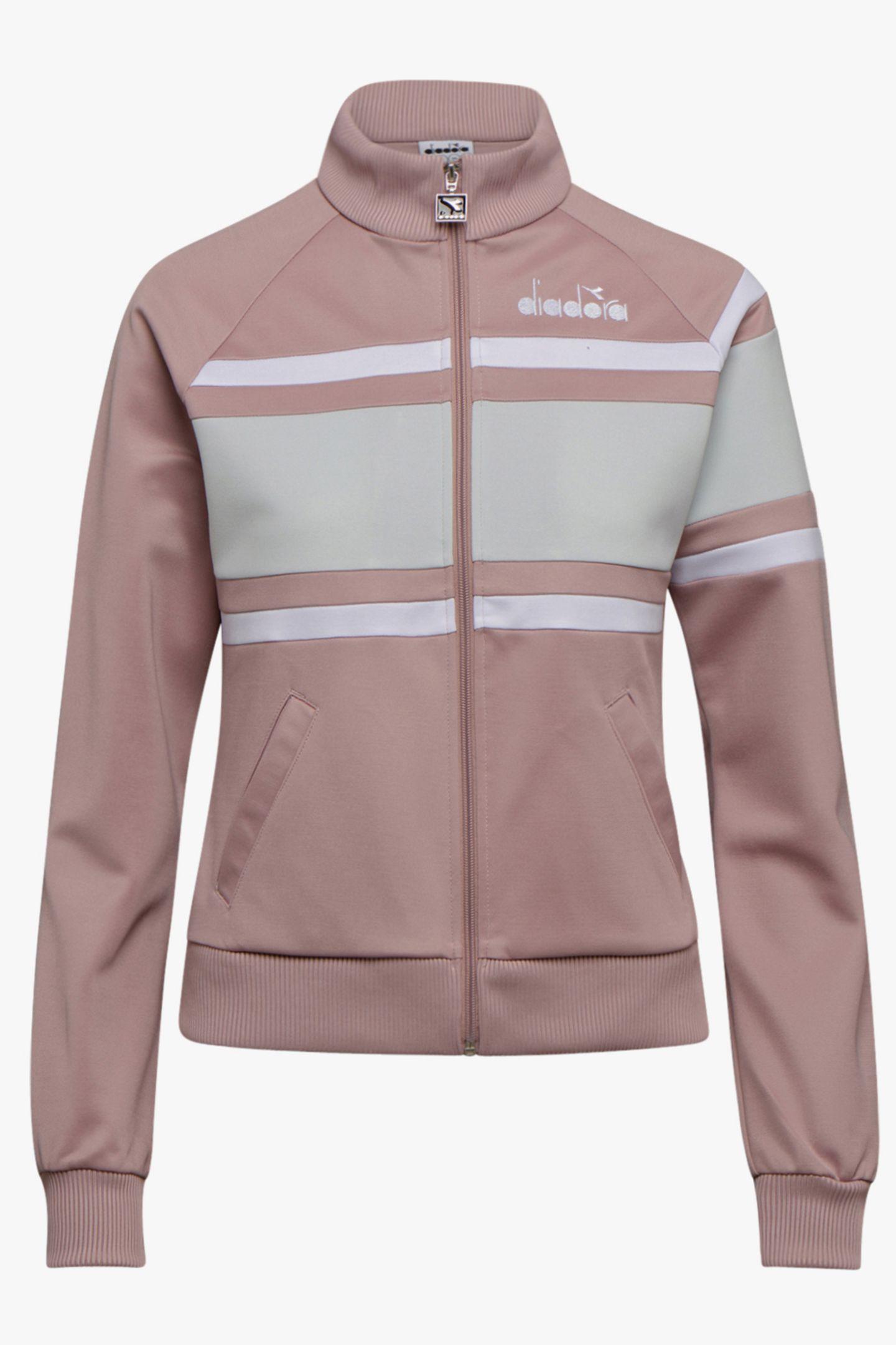 Die Jacke im 80's-Style kann man nicht nur beim Sport, sondern auch lässig in der Freizeit tragen. Von Diadora, ca. 70 Euro