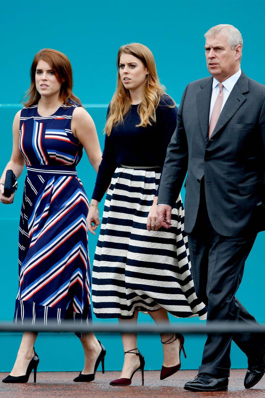 Prinzessin Eugenie und Prinzessin Beatrice mit ihrem Vater, Prinz Andrew