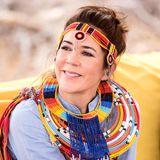 27. November 2018   Kronprinzessin Mary strahltin traditioneller Tracht mit Kopfschmuck ...
