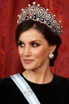 Königin Letizia trägt ein Hochzeitsdiadem, aber nicht ihr eigenes ...