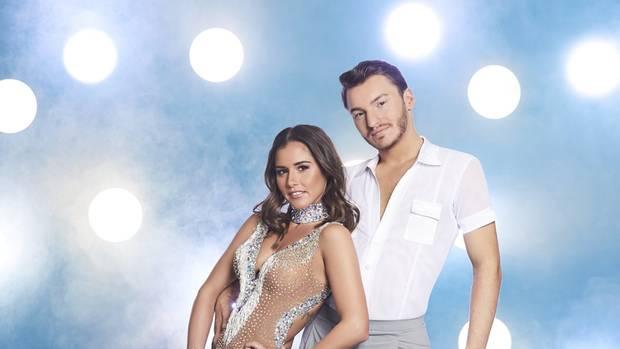 Sind Kym johnson und robert vom Tanzen mit den Stars Dating