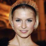 2007  Am liebsten stylt Lena Gercke ihre Haare aus dem Gesicht. Bei Events sieh man sie daher meist mit einem Haarband oder - reif.