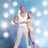 """Detlef D! Soost  Tanzcoach Detlef D! Soost ist ein absoluter Fitnessfreak. Ob er auf dem Eis auch so eine gute Figur macht wie auf dem Dancefloor? Mit seiner Partnerin Kat Rybkowski wird der ehemalige """"Postars""""-Juror auf jeden Fall alles geben."""