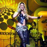 """In 2002 lässt Shakira ihre Hüften bei THE DOME in Stuttgart kreisen. Gerade ist sie mit Songs wie """"Whenever, Wherever"""" der Superstar überhaupt, alle versuchen ihren Bauchtanzen nachzumachen. Damit dieser so richtig wirkt, trägt die Sängerin stets ihren """"Klimper-Gürtel""""."""