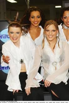 Auweia! In durchsichtigen Blusen und mit - sagen wir - interessanten Frisuren kommen die No Angels in 2002 zu THE DOME.