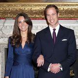 16. November 2010  Wie Honigkuchenpferde lächeln Kate und Prinz William bei der Bekanntgabe ihrer Verlobung. Dieses Strahlen werden wir von der zukünftigen Herzogin jetzt öfter sehen.