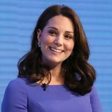 Februar2018  Auch während ihrer dritten Schwangerschaft strahlt die Herzogin mit leicht runderem Gesicht, die Haare lässt sie aberlangsam wieder wachsen.