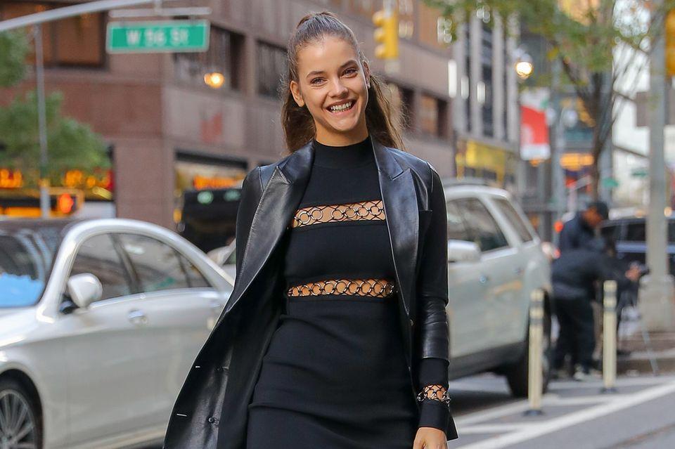 Heiß, heißer, Barbara Palvin: Das Model mag es auch abseits des Runways extrem sexy und rockig.