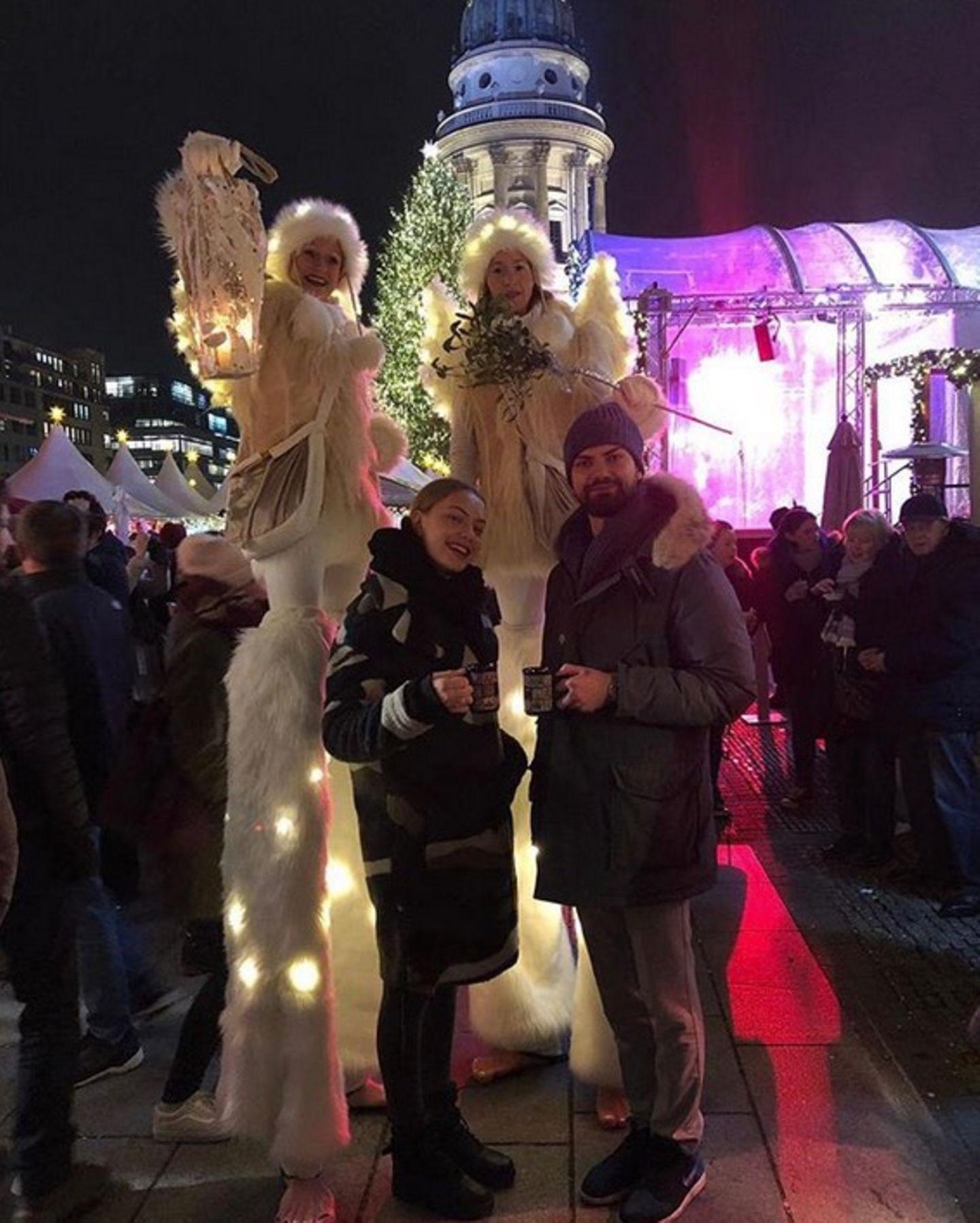 Jimi Blue Ochsenknecht und SchwesterCheyenne eröffnen die Weihnachtsmarkt-Saison.