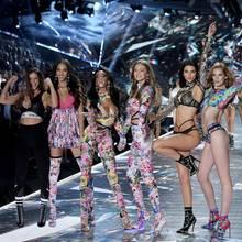 Die Models auf dem Laufsteg von Victoria's Secret