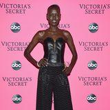 Die südsudanesische Schönheit Grace Bol hat die Hosen an.