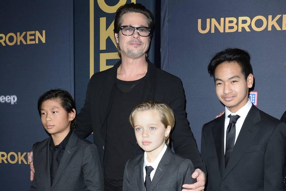 Brad Pitt mit den Kindern Pax, Shiloh und Maddox