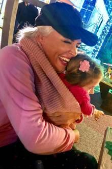 3. Dezember 2018  Mama-Tochter Kuschelzeit bei Daniela und Töchterchen Sophia.