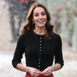 Falls ja, kann Prinz William seiner Frau bestimmt nicht widerstehen. In ihrem weihnachtlichen Outfit sieht die Herzogin fantastisch aus.