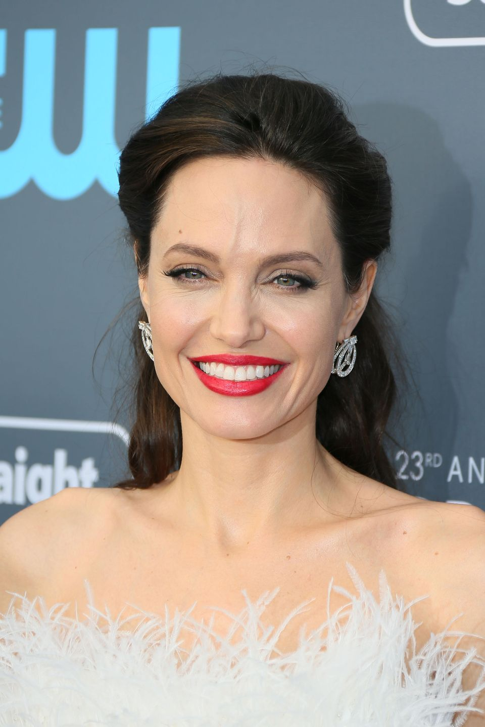 Angelina Jolie ist endlich bereit, sich mit Brad Pitt das Sorge- und Aufenthaltsrecht für die Kinderzu teilen