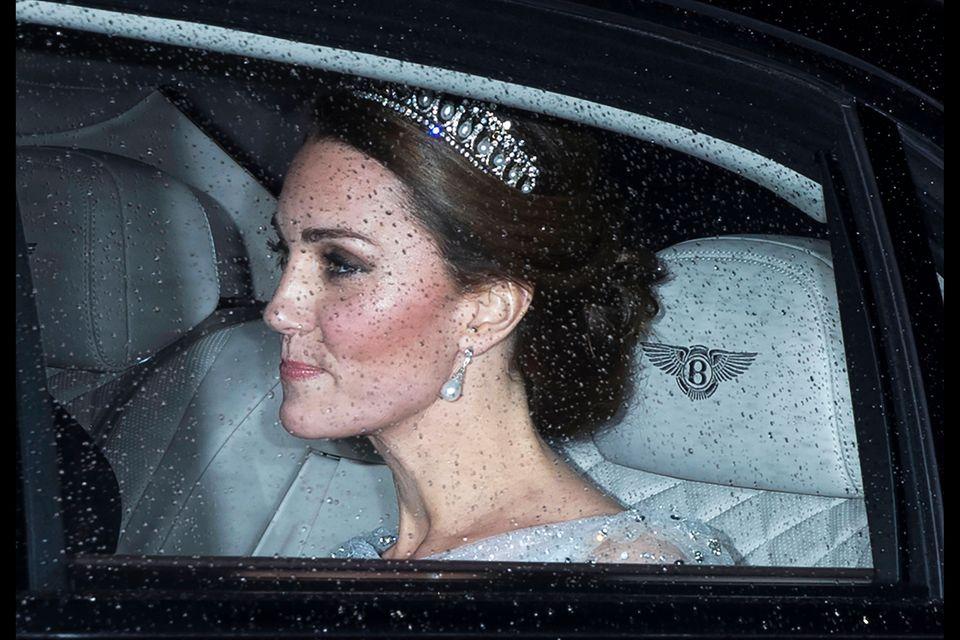 Herzogin Catherine auf dem Weg zum Diplomaten-Dinner.