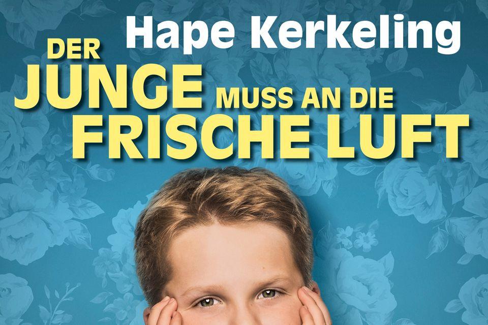 In der Verfilmung der Kerkeling-Autobiografie spielt Julius Weckauf, ein Junge vom Niederrhein, seine erste Rolle. Julius wurde aus Tausenden Bewerbern ausgesucht. In weiteren Rollen: Sönke Möhring, Joachim Król, Maren Kroymann, Diana Amft (Kinostart an Weihnachten, 25. Dezember)