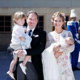 Juni 2018  Die Taufe der kleinen Prinzessin Adrienne wird in der Schlosskirche von Schloss Drottningholm festlich zelebriert.