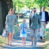 August 2018  Am 21. August wird es für Prinzessin Estelle von Schweden ernst. Das älteste Kind von Prinzessin Victoria und ihrem Mann Prinz Daniel hatseinen allerersten Schultag. Ganz schön aufregend für die kleine Schönheit!