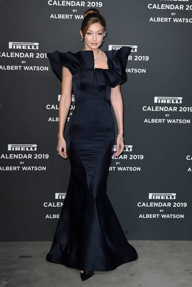 Gigi Hadid im schwarzen Glamour-Look