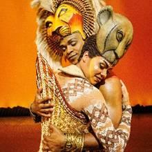 """Hope Maine und Melina M'Poy als Simba und Nala im Musical """"Der König der Löwen"""""""