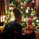 """7. Dezember 2018  Und was ist mit Wayne? Der zeigt sich selbst nicht vor dem Weihnachtsbaum, sondern postet ebenfalls ein Foto von seinen Liebsten. """"Ich könnte nicht stolzer sein!"""", schreibt der glückliche Vater."""