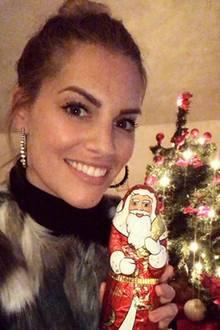 An Nikolaus freut sich Angelina Kirsch über einen Mann aus Schokolade. Yummy!