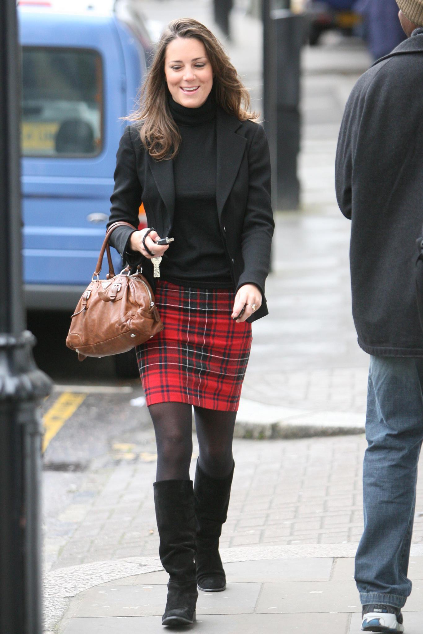 Kate Middleton zeigt sich im Januar 2008 in einem sehr ähnlichen Look.