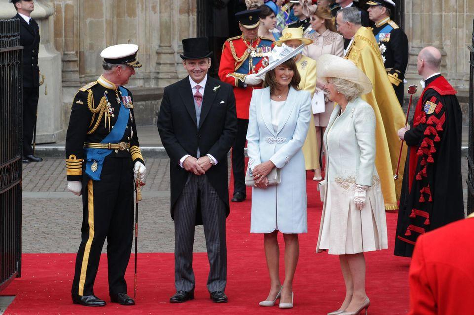 Die Hochzeit von William und Kate machte aus den Middletons und den Windsors eine große Familie. Seitdem sind Michael und Carole Middleton gern gesehene Gäste auf royalen Großereignissen.