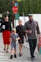 10. Dezember 2018  Es ist Sonntagund damit Zeit für die Kirche. Ein Tag, an dem Jennifer Garner und Ben Affleck scheinbar alle Differenzen beilegen und ihren Kindern mit gutem (so gut es eben geht) Beispiel vorangehen wollen.