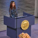 Preisträgerin Nadia Murad hält eine bewegende Rede.