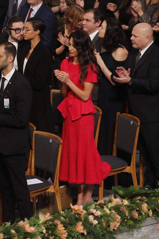 Standing Ovations: Amal Clooney ist stolz und bewegt.