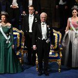 Königin Silvia und König Carl Gustaferöffnen mit Kronprinzessin Victoria und Prinz Daniel die festliche Zeremonie.