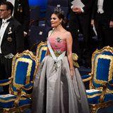 Die Kronprinzessin sieht am heutigen Tag ganz besonders elegant aus.
