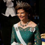 Königin Silvia hat sich für ein Traumkleid in Grün entschieden.