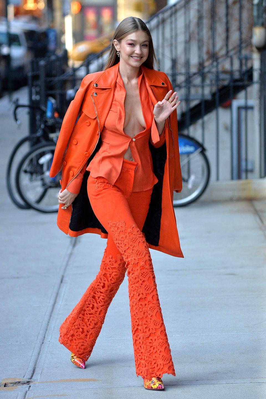 11. Dezember 2018  Was für ein Auftritt! In New York gewährt Supermodel Gigi Hadid tiefe Einblicke.