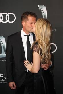 Til Schweiger küsst seineneue Freundin Francesca Dutton: BeimAudi Generation Award 2018 im Hotel Bayerischer Hof in München zeigt sich der Schauspieler und Regisseur verliebt wie lange nicht mehr.