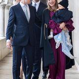 Nach der orthodoxen Taufzeremonie und dem anschließenden Fototermin darf jetzt im serbischen Königshaus gefeiert werden.