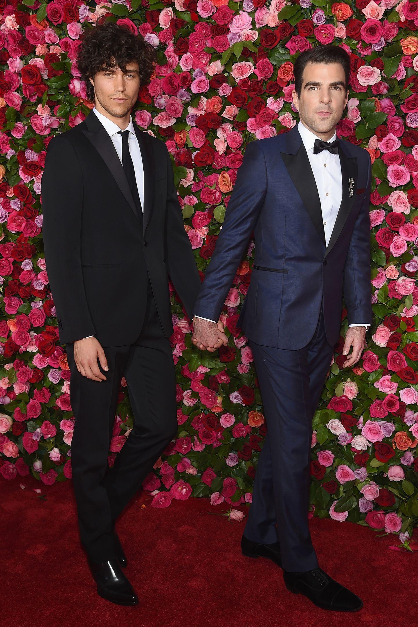 """Heißer Schauspieler liebt ebenso heißesTopmodel: Dieses Prinzip funktioniert selbstverständlich auch im großen Pool der homosexuellen Stars, ein gutes Beispiel sind da""""Star-Trek""""-Star Zachary Quinto (r.) und Male Topmodel Miles McMillan."""