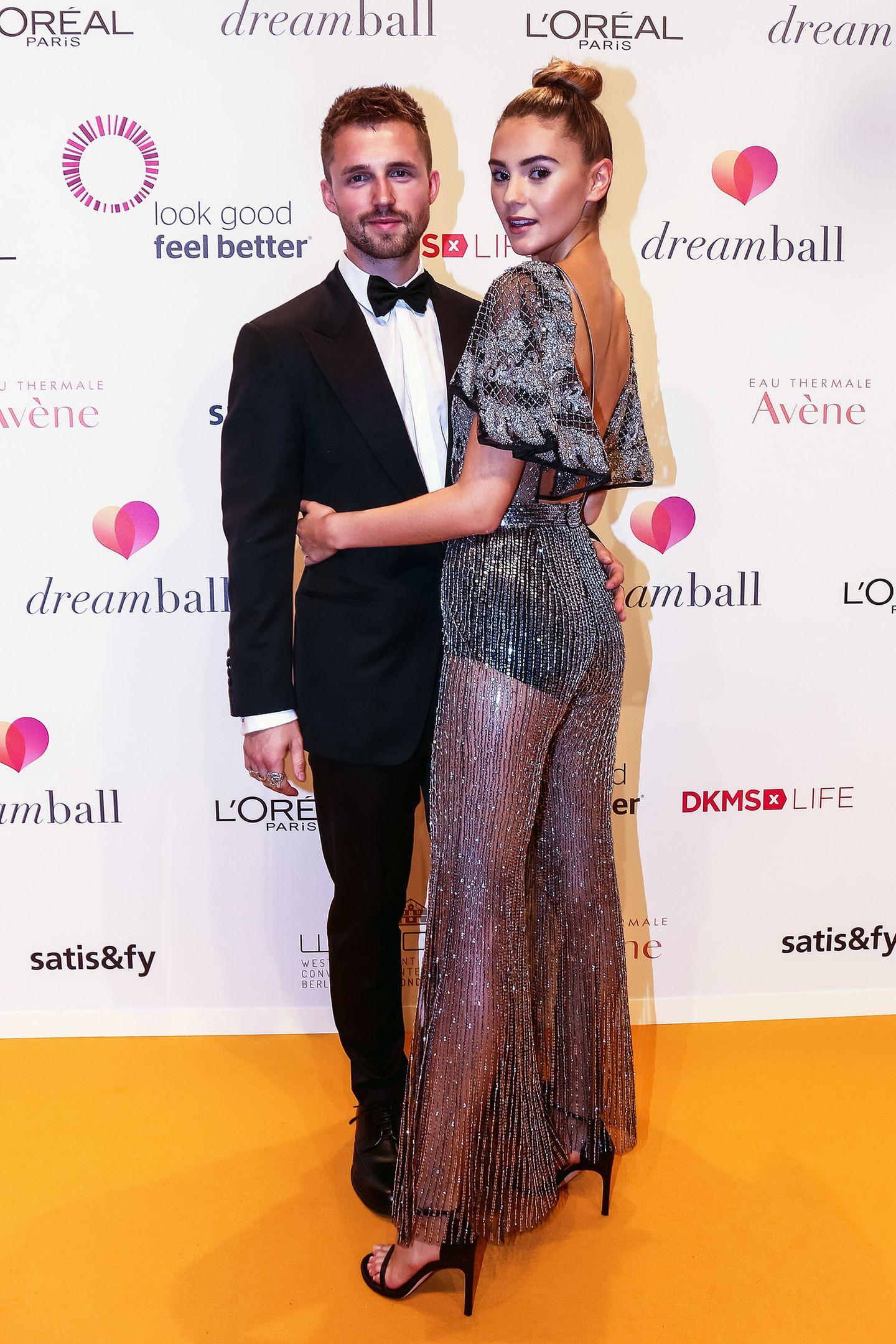 Topmodel Stefanie Giesinger und YouTube-Star Marcus Butlersind unser deutsch-englisches Traumpaar. Die beiden lernten sich 2016 in Cannes kennen und lieben.